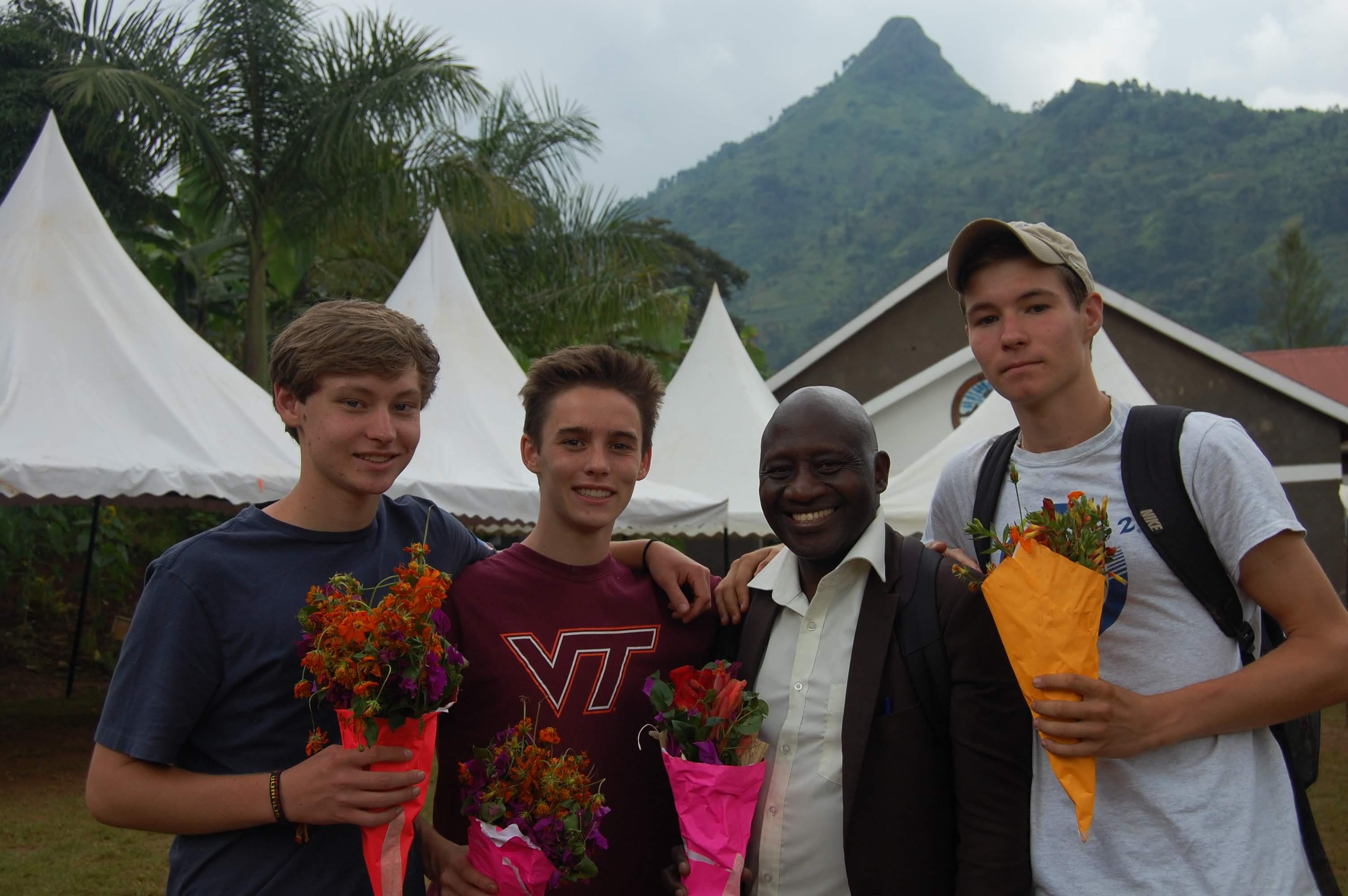 Volunteers at AAH Uganda